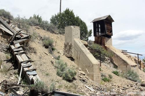 Loading chute at Dividend Utah