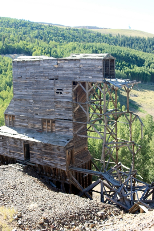 Old headframe at Mollie Kathleen mine