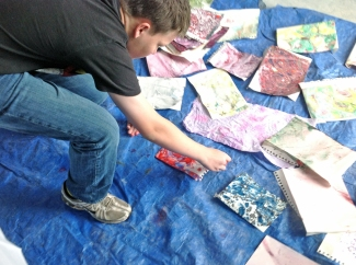 making-marbled-paper