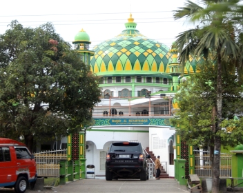 Green-yellow mosque