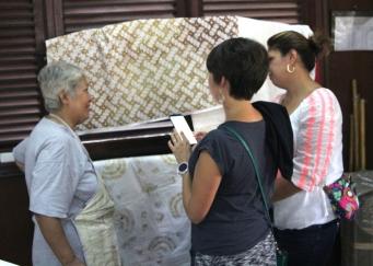 Kate and Wendy see batik