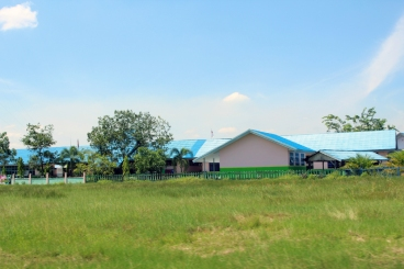 SMAN 1 Mandastana from road