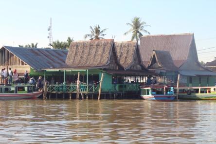 Soto bang amat from river