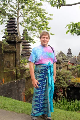 David above temple in sarong