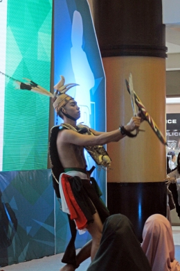 Dayak dancer