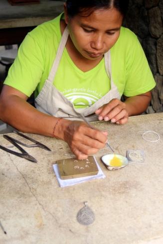 Making pendant -silver glue