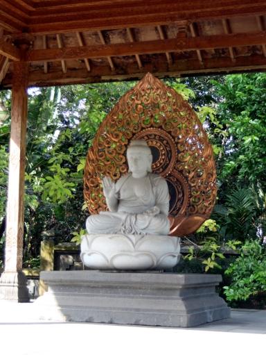 White seated buddha